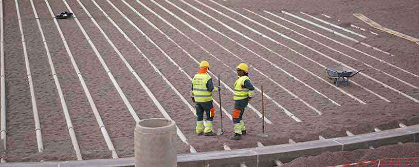 acwapower-construction-employees-in-hi-vis-nooro-iii-morocco-2016-ne
